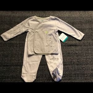 Disney baby Winnie the poo matching outfit.